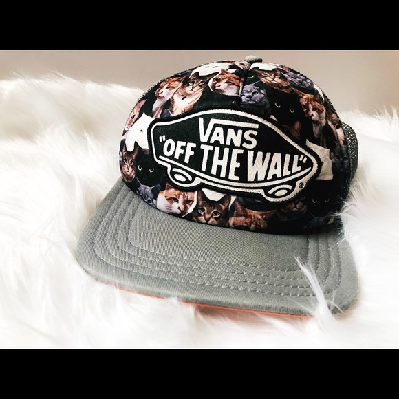 e010beb5ad Vans ASPCA Cat Beach Girl Trucker Hat. M 5b2d96dfc2e9fe6f3d2d38c1